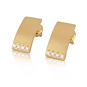 Gold & Diamond earrings- Nunna style