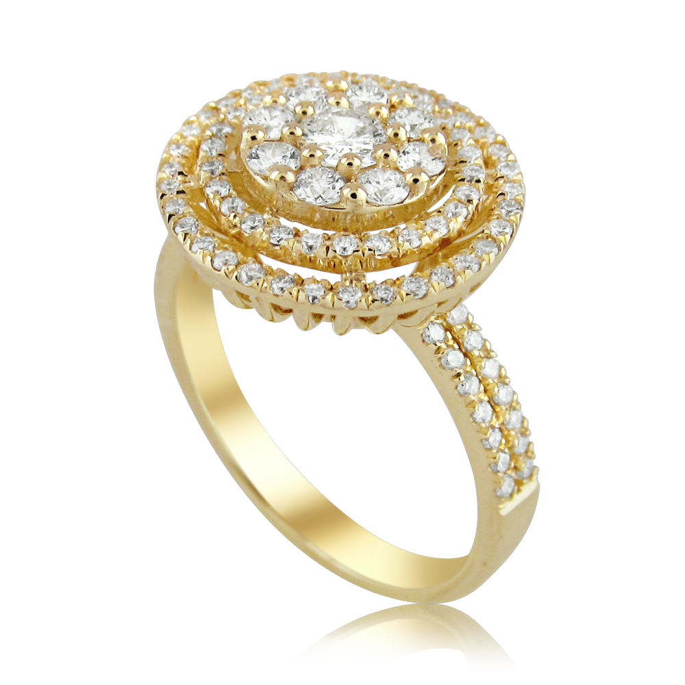 Prestigious diamond ring studded with 95 diamonds